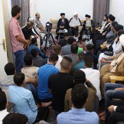 حضرت آیت الله حکیم (مدظله) از جوانان خواستند؛ هر کدام در هر موقعیت و جایگاهی که هستند مبلغان حقیقی دین و راه راستین باشند