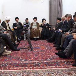 سماحة المرجع الكبير السيد الحكيم يوضح للباحثين ما يميّز الشيعة وعلماءهم الأبرار ببذلهم الجهود والتضحيات والصمود بعدم تغيير الحكم الشرعي مهما كانت الظروف